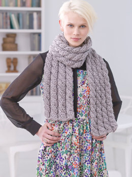 Cabled Scarf in Lion Brand Hometown USA - L32326