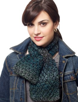 Keyhole Scarf in Patons Delish