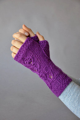 Flight of Fancy Mitts in Universal Yarn Finn - Downloadable PDF
