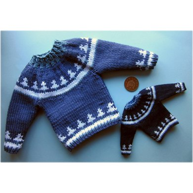 Miniature Christmas tree jumper Knitting pattern by Frances Powell
