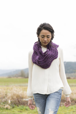 Infinity Scarf in Imperial Yarn Bulky 2 Strand - PC36 - Downloadable PDF