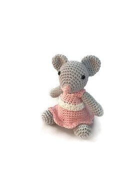 Molly the Mouse Amigurumi
