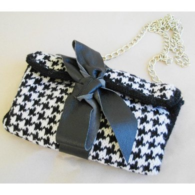 Black and white clutch in goose foot pattern