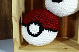 Pokemon Pokeball Amigurumi