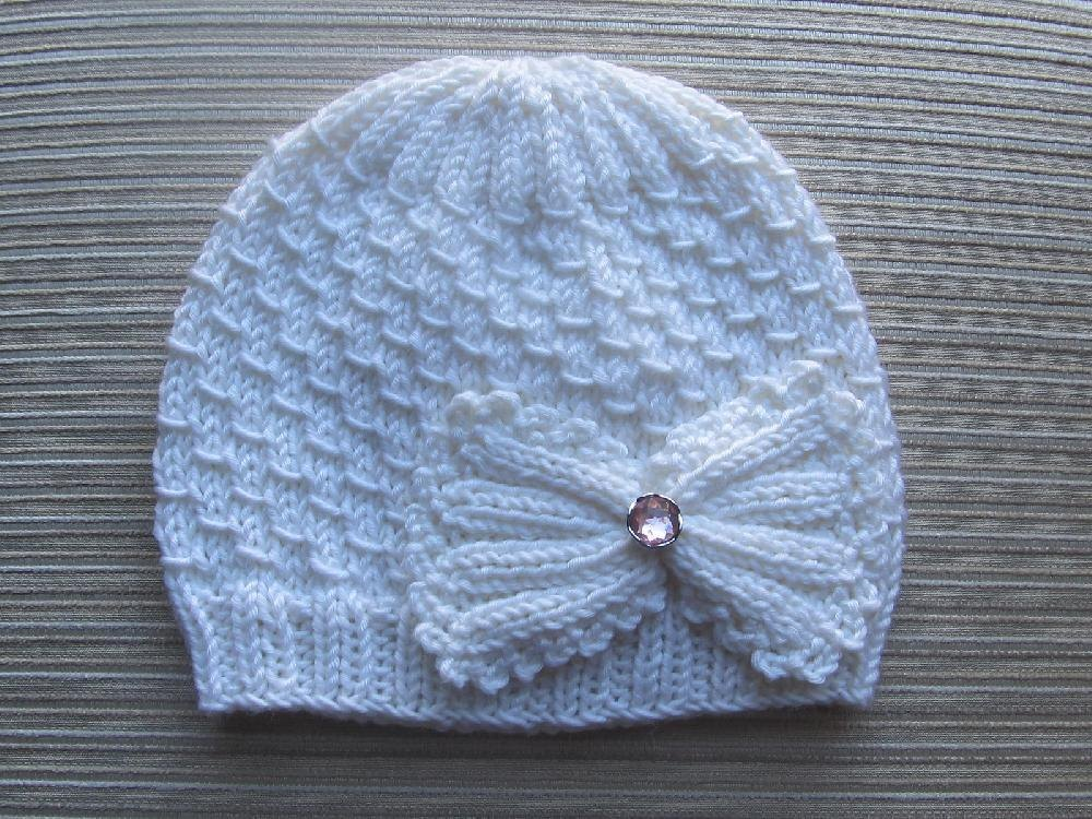 Small Drops Stitch Hat For A Girl Knitting Pattern By Yelena Chen