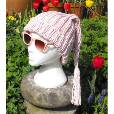 WEE WILLY PINKY SUPERFAST PIXIE SLOUCH KNITTING PATTERN - MADMONKEYKNITS
