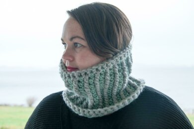 Stella Mini Cowl