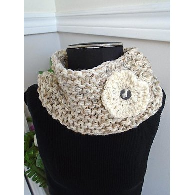 Crazy Easy Cowl and Flower #816