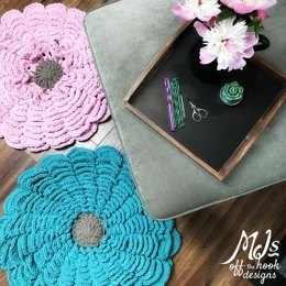 Bulky & Quick Flower Rug
