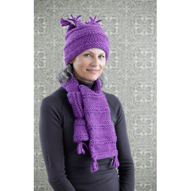 Easy Warmth Hat and Scarf in Lion Brand Hometown USA - 90592AD