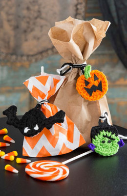 Halloween Gift Trims in Red Heart Super Saver Economy Solids - LW4921 - Downloadable PDF
