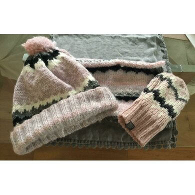 Superdry inspired hat and cowl