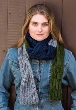 Reversible Cable Scarf