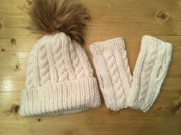 Chunky cable hat and wristwarmers
