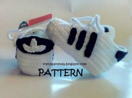 Crochet baby sneakers inspired in Adidas Superstar.