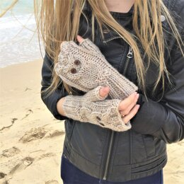 Owl fingerless mitts 2yrs to adult