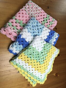 Easy Beginner's Granny Square Blanket