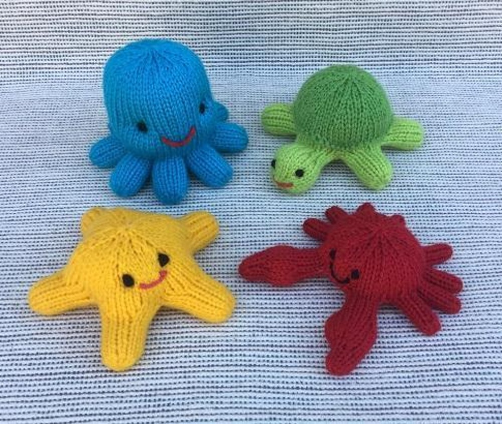little sea creatures knitting pattern by rainebo
