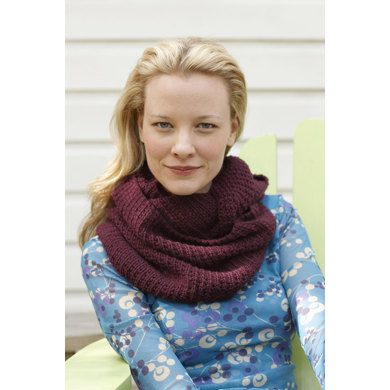 Thermal Knit Cowl in Lion Brand Superwash Merino Cashmere - L0075AD