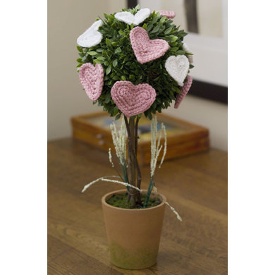 Affaire of the Heart Topiary in Red Heart Soft - LW2292EN - Downloadable PDF