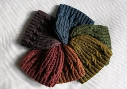 Small Spiral Cable Hat