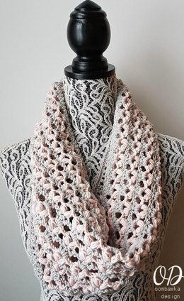 LOVE is in the Air Valentine's Cowl