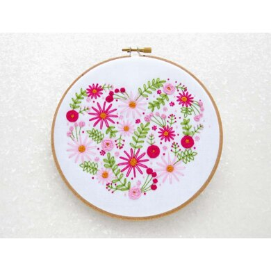 Ohsewbootiful Floral Heart Embroidery Kit - 6 x 6in / 15 x 15cm