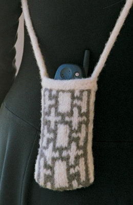Felted Cell Phone Tote in Imperial Yarn Columbia - P112 (Downloadable PDF)
