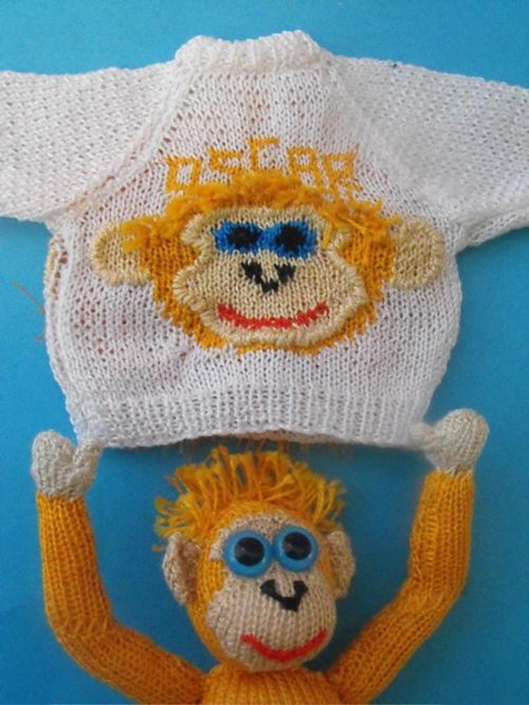 Oscar The Baby Orangutan Jumper Knitting Pattern