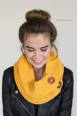Honeycomb Button Scarf