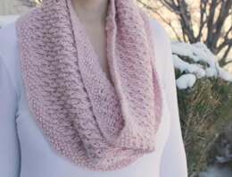 Twisted Love Cowl