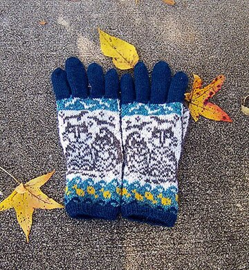 A Day By the Sea Gloves