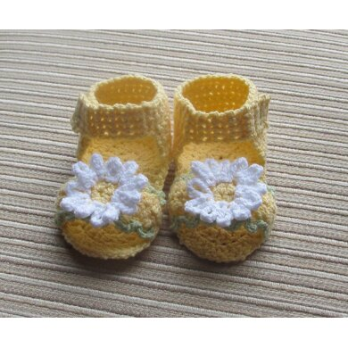 Yellow Sandals with White Daisies for a Girl 3-6 Months