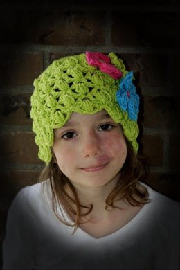 Lacy Hat with Shell Edge Pattern