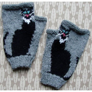 Black Cat Fingerless Gloves Knitting Pattern By Twisted Classics