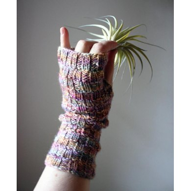Cheques Fingerless Mittens (Mitts)