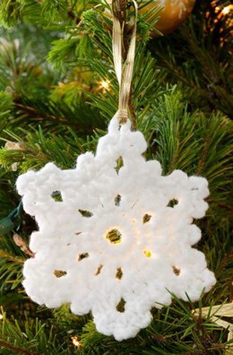 Snowflake Ornament Crochet in Red Heart Niki - LW4064EN
