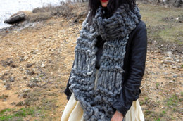 Parisienne Scarf in Loopy Mango Big Loop