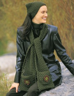 Applique Kerchief & Scarf in Patons Classic Wool Worsted