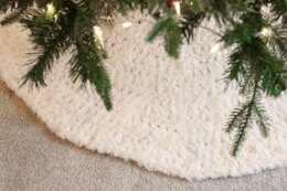 Alpine Tree Skirt