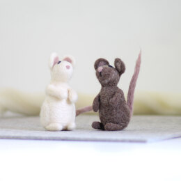 Hawthorn Handmade Mice Needle Felting Kit - Multi