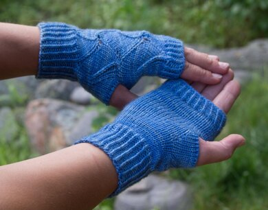 Glass Ripple Mitts