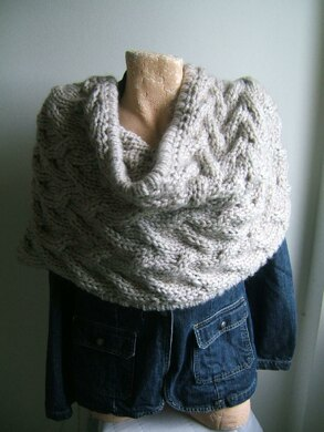 Giant Travelling Cable Cowl