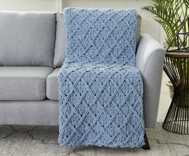 Diamond Lattice Blanket in Bernat Alize Blanket-EZ - Downloadable PDF