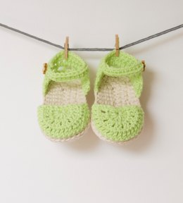 Green Love Crochet Baby Booties