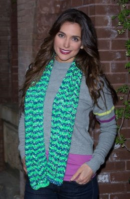 Wavy Stripes Scarf in Red Heart Reflective - LW4165