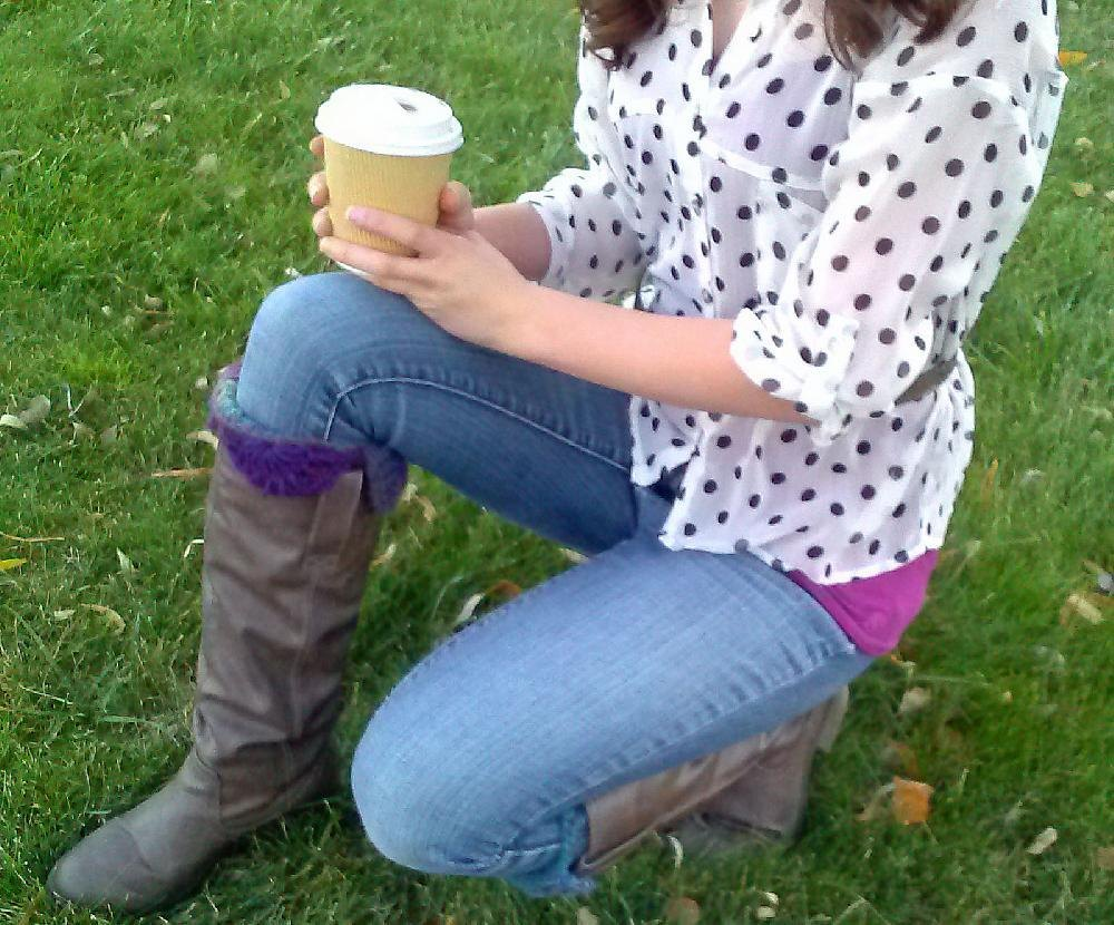 Lace edge boot cuffs crochet pattern by joy grise for Chenille grise