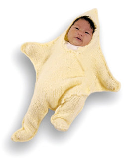 Knitted Dancing Star Baby Bunting in Lion Brand Jiffy - 638AD