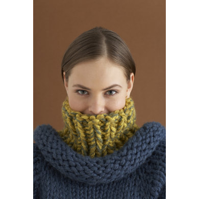 Play It Cool Neckwarmer in Lion Brand Wool-Ease Thick & Quick - 70647AD