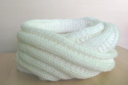 CHUNKY SNOOD (Ladder Effect)